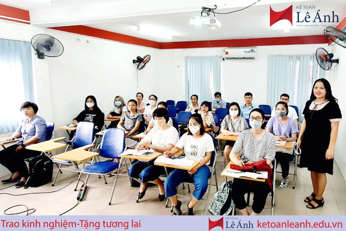khóa học phân tích tài chính